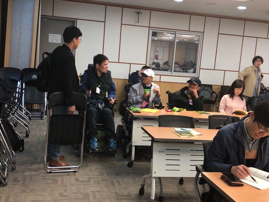 3.29추경진장애인탈시설지원법제정공청회1.jpg