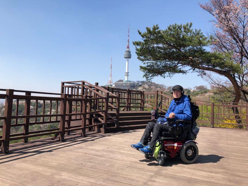 4.11명동기자회견마치고 남산 경진.jpg
